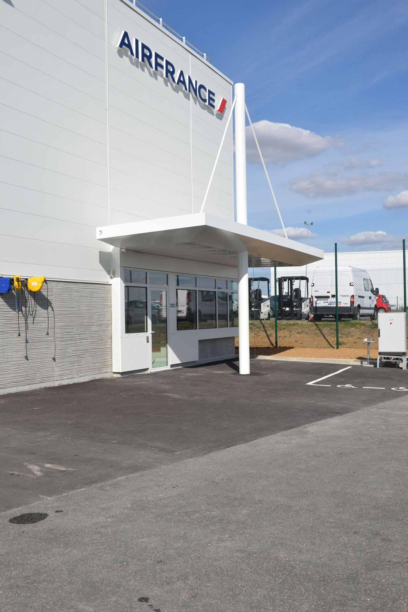 Raf Listowski Atelier d'Architecture atelier de maintenance push avions air france aéroport Roissy CDG grégory copitet