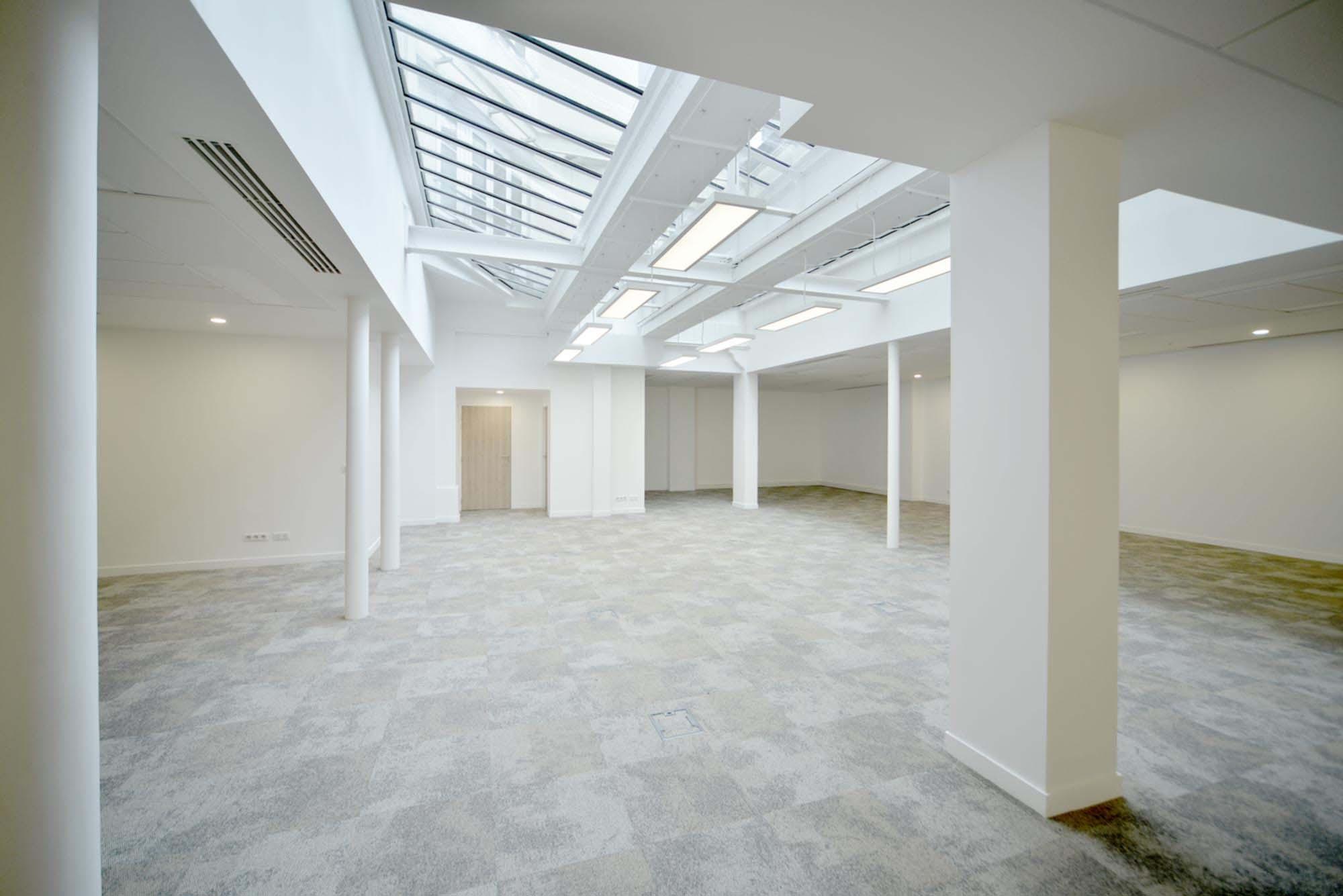 Raf Listowski Atelier d'Architecture AEW Europe rue de Provence rénovation architecturale immeuble XVIII Paris IX