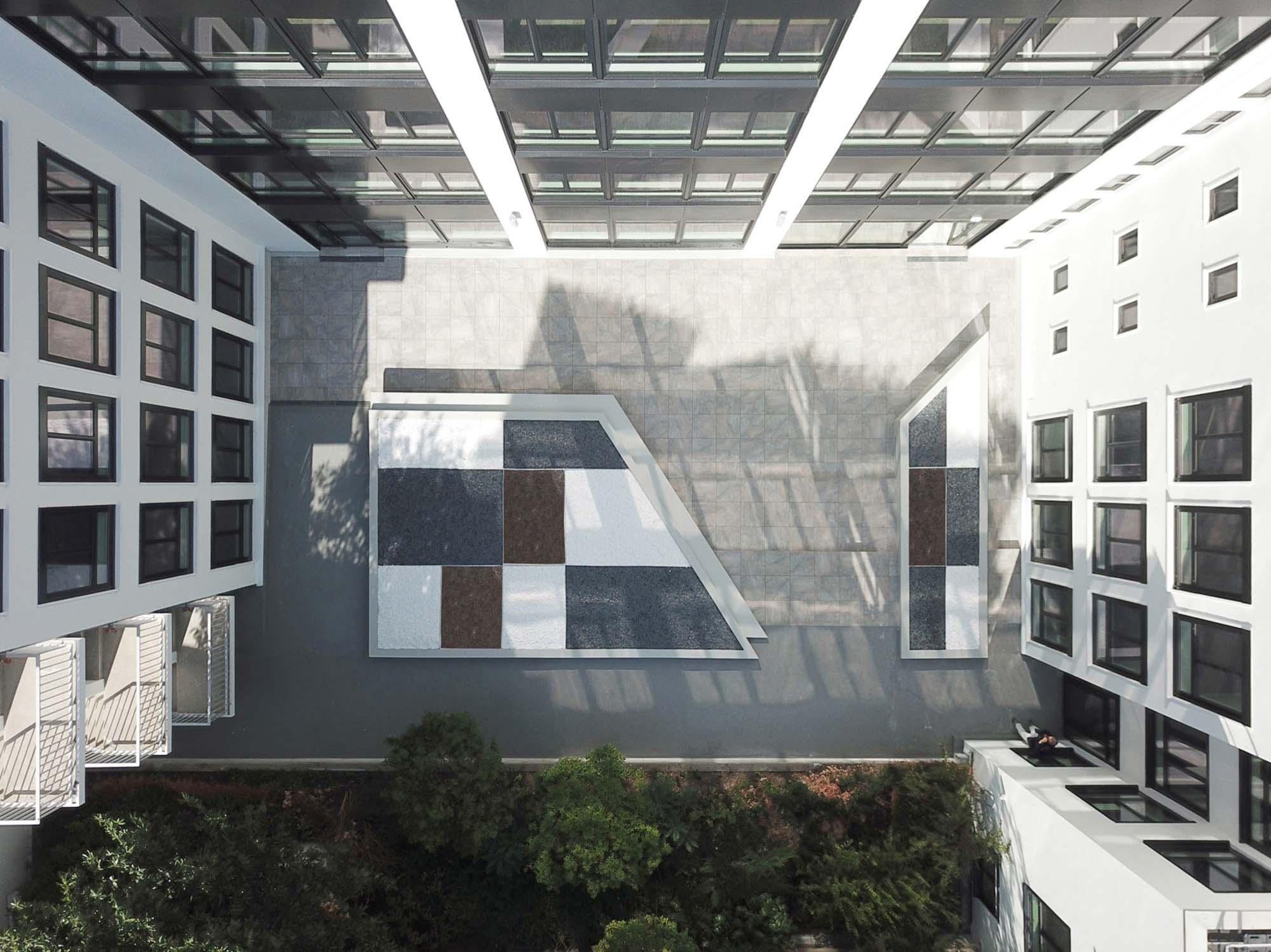 Raf Listowski Atelier d'Architecture création bureaux réhabilitation transformation nouveau siège social Carac Thétis felix potin Neuilly